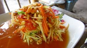 Som tam salat (papaya salad)