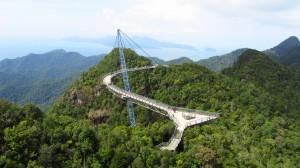Most nad dzunglou